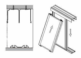 Совместите нижний конец роликов дверного полотна с нижней направляющей и медленно опустите полотно
