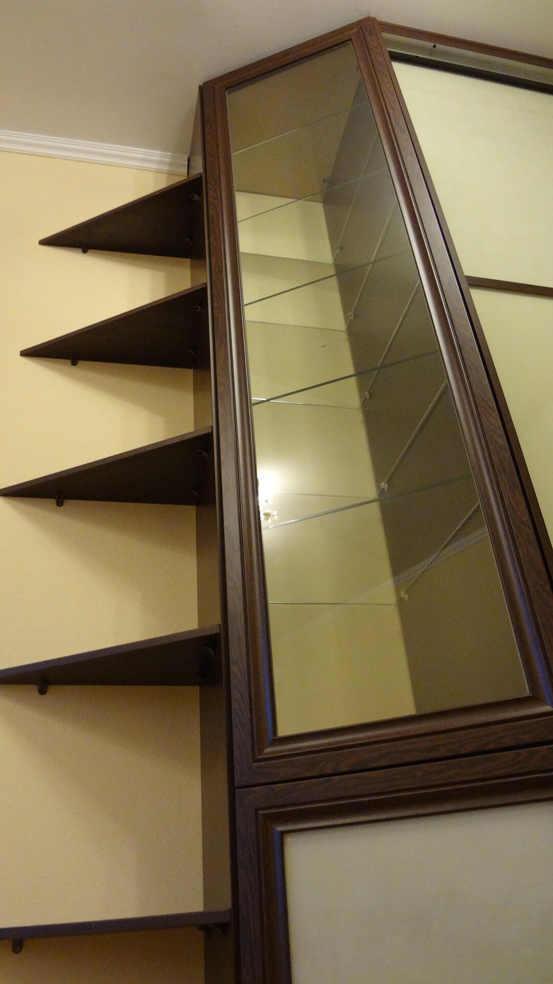 Шкафы-купе декорированные стеклом Lacobel (Лакобель)